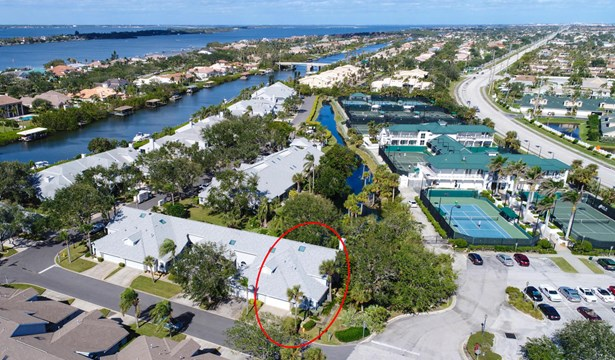 100 Tradewinds Drive Unit 100, Indian Harbour Beach, FL - USA (photo 2)