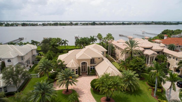 217 Lansing Island Drive, Indian Harbour Beach, FL - USA (photo 2)