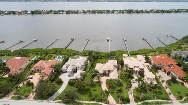 217 Lansing Island Drive, Indian Harbour Beach, FL - USA (photo 3)