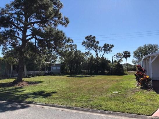 523 Egret Circle, Barefoot Bay, FL - USA (photo 2)