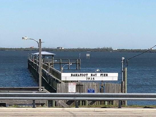 523 Egret Circle, Barefoot Bay, FL - USA (photo 4)