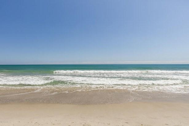 648 Ocean Street, Satellite Beach, FL - USA (photo 2)