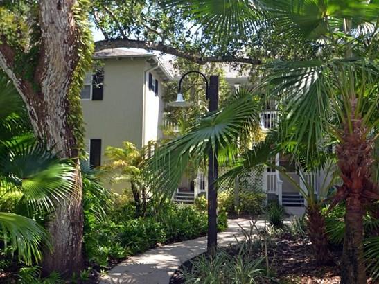 1295 Winding Oaks Circle 805, Vero Beach, FL - USA (photo 1)