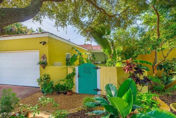 803 Shannon Avenue S, Indialantic, FL - USA (photo 5)