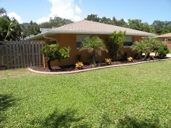 2130 South Patrick Drive, Indian Harbour Beach, FL - USA (photo 2)