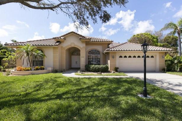 605 Newport Drive, Indialantic, FL - USA (photo 2)
