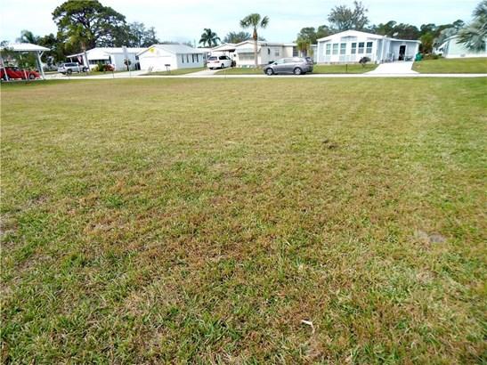 805 Lychee Drive, Barefoot Bay, FL - USA (photo 4)