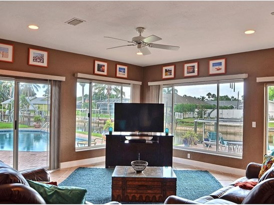 2234 5th Court Se, Vero Beach, FL - USA (photo 2)