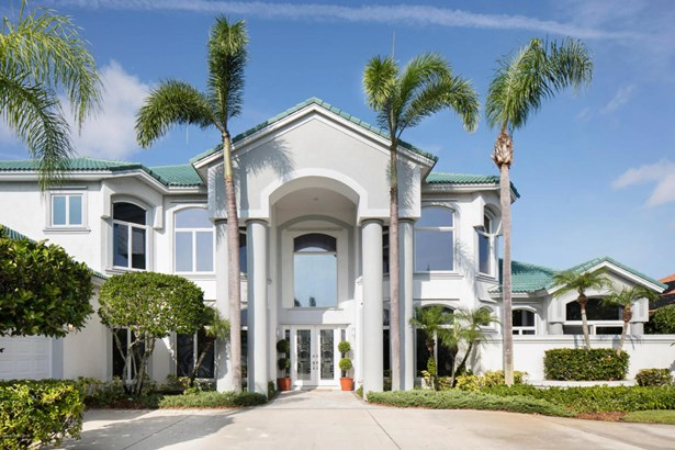 113 Lansing Island Drive, Indian Harbour Beach, FL - USA (photo 2)