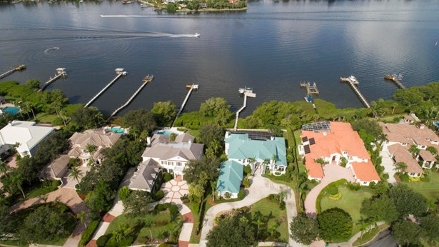 113 Lansing Island Drive, Indian Harbour Beach, FL - USA (photo 3)