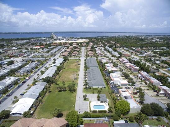 1030 Steven Patrick Avenue, Indian Harbour Beach, FL - USA (photo 5)