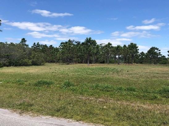 3888 Gardenwood Circle , Grant Valkaria, FL - USA (photo 2)