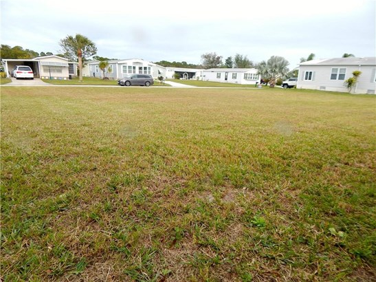 807 Lychee Drive, Barefoot Bay, FL - USA (photo 5)