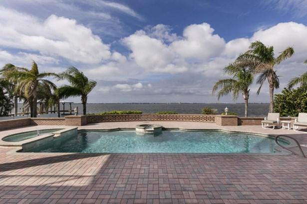 2700 Riverside Drive N, Indialantic, FL - USA (photo 4)