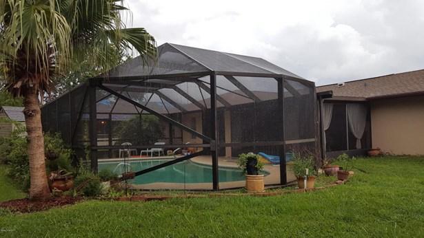 484 Ne Heather Avenue, Palm Bay, FL - USA (photo 2)