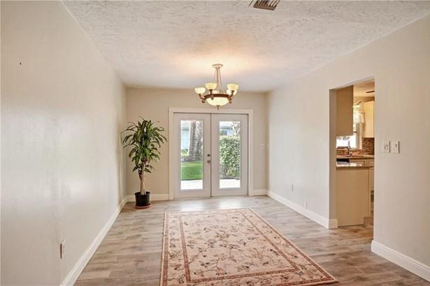 2073 Cypress Avenue , Fort Pierce, FL - USA (photo 5)