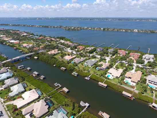 214 Lansing Island Drive, Indian Harbour Beach, FL - USA (photo 5)