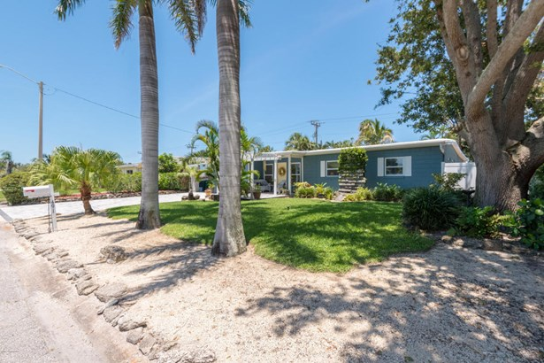 491 Third Avenue, Satellite Beach, FL - USA (photo 4)