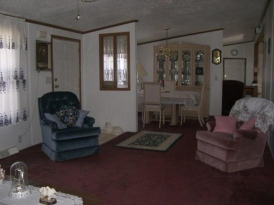 Mobile Home, House - MACHESNEY PARK, IL (photo 4)