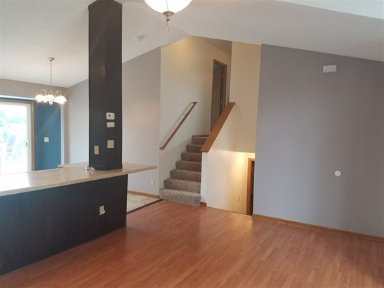 Tri/Quad/Multi-Level, House - ROCKFORD, IL (photo 5)