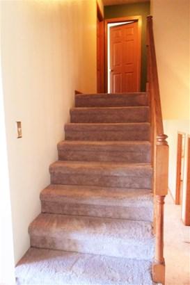 Tri/Quad/Multi-Level, House - ROSCOE, IL (photo 4)
