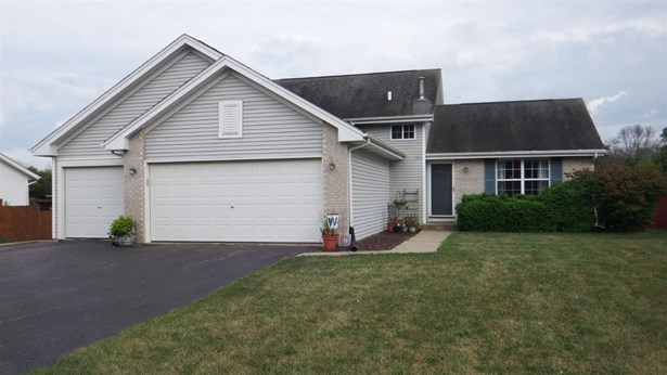 Tri/Quad/Multi-Level, House - BYRON, IL (photo 1)