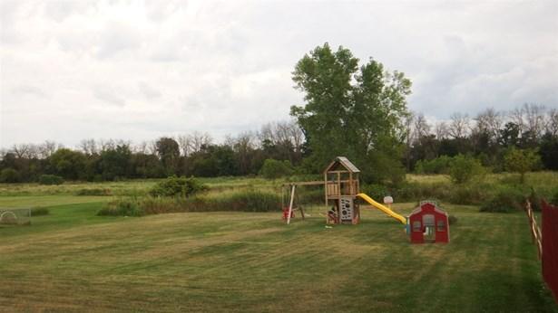 Tri/Quad/Multi-Level, House - BYRON, IL (photo 3)