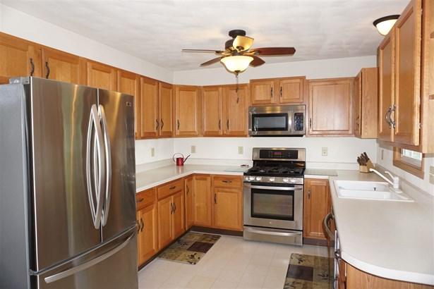 Tri/Quad/Multi-Level, House - ROCKTON, IL (photo 3)