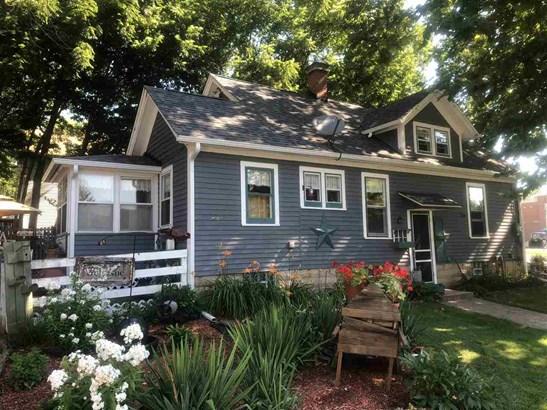 1.5 Story, House - PECATONICA, IL