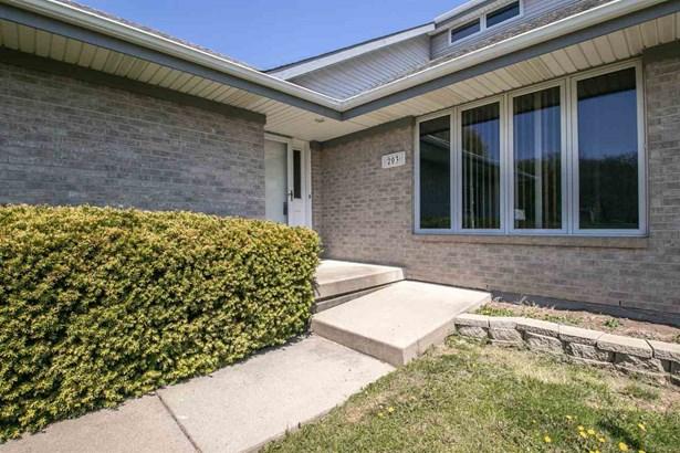 House, 2 Story - POPLAR GROVE, IL (photo 4)