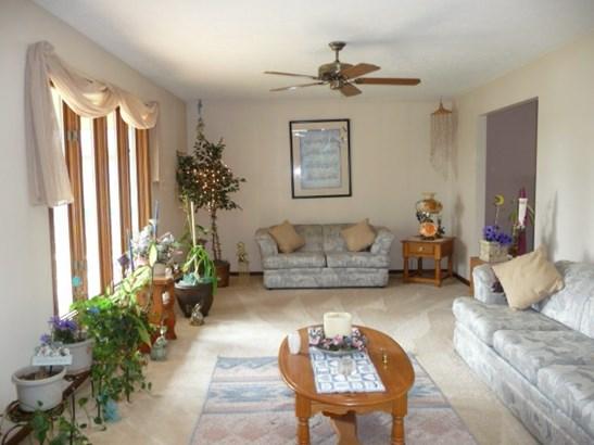 Tri/Quad/Multi-Level, House - LOVES PARK, IL (photo 3)
