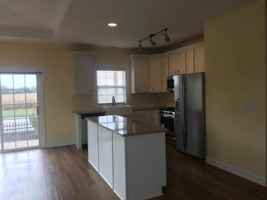 Condominium, First Floor - CHERRY VALLEY, IL (photo 5)