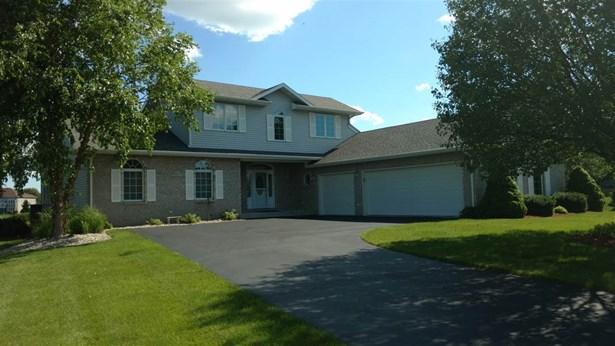 House, 2 Story - WINNEBAGO, IL (photo 1)