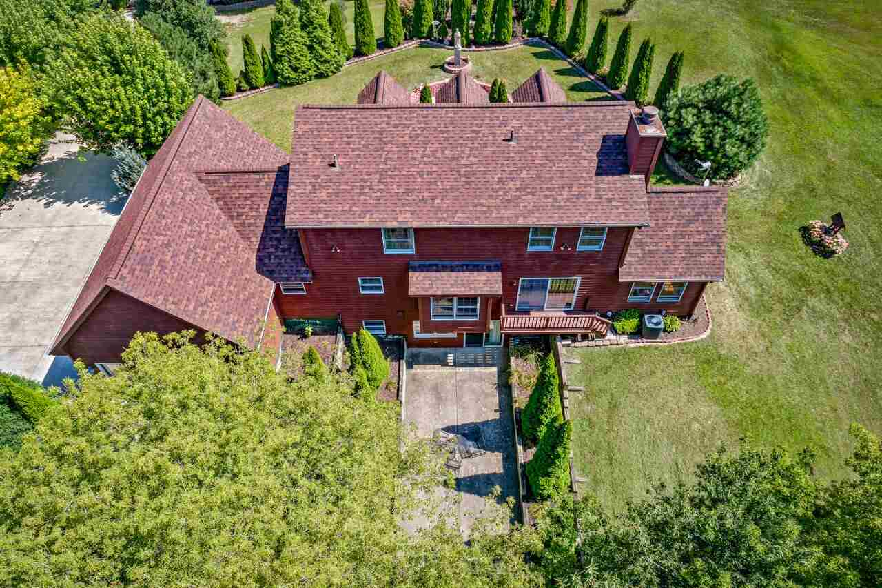 House, 2 Story - POPLAR GROVE, IL (photo 2)