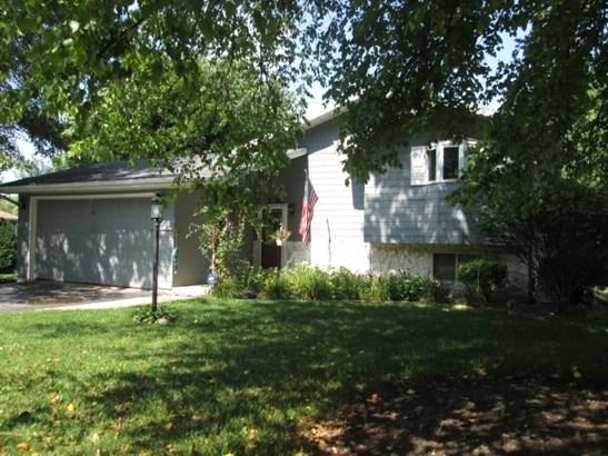 House, Bi-Level - POPLAR GROVE, IL (photo 1)
