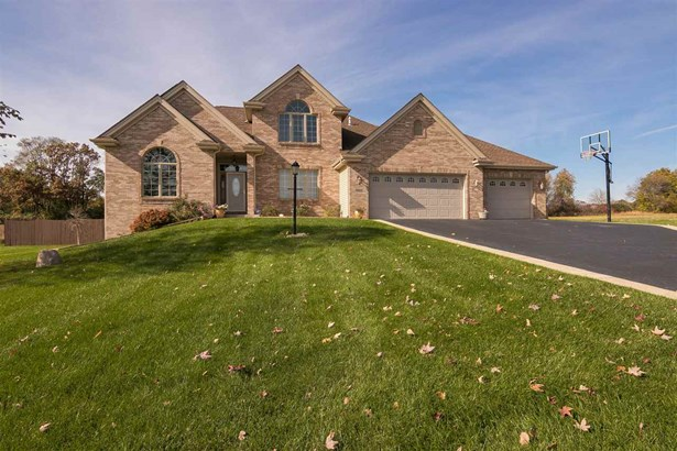 House, 2 Story - BELVIDERE, IL (photo 1)