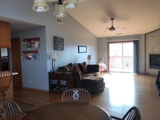 Condominium, Second Floor - LOVES PARK, IL (photo 2)