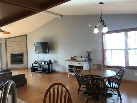 Condominium, Second Floor - LOVES PARK, IL (photo 4)