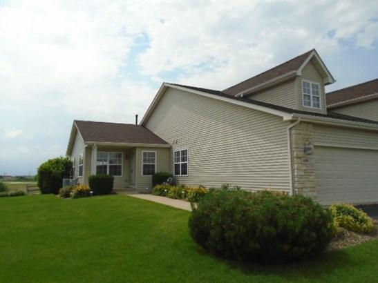 Condominium, Ranch Style - POPLAR GROVE, IL (photo 1)
