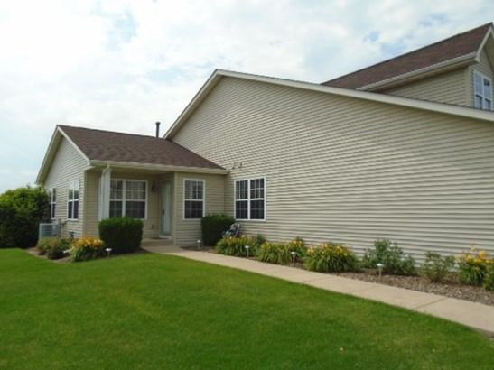 Condominium, Ranch Style - POPLAR GROVE, IL (photo 2)