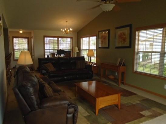 Condominium, Ranch Style - POPLAR GROVE, IL (photo 3)