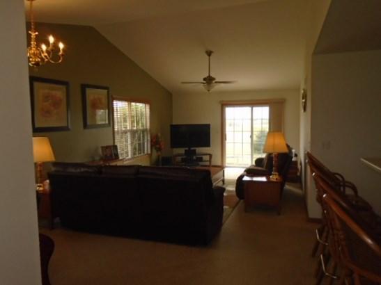 Condominium, Ranch Style - POPLAR GROVE, IL (photo 4)