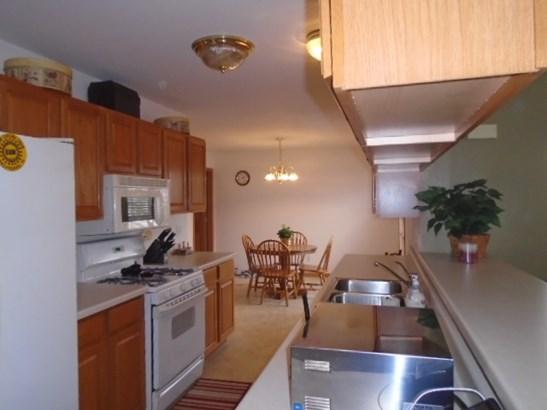 Condominium, Ranch Style - POPLAR GROVE, IL (photo 5)