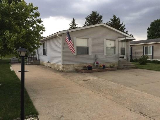Mobile Home, House - BELVIDERE, IL (photo 1)
