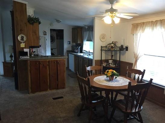 Mobile Home, House - BELVIDERE, IL (photo 4)