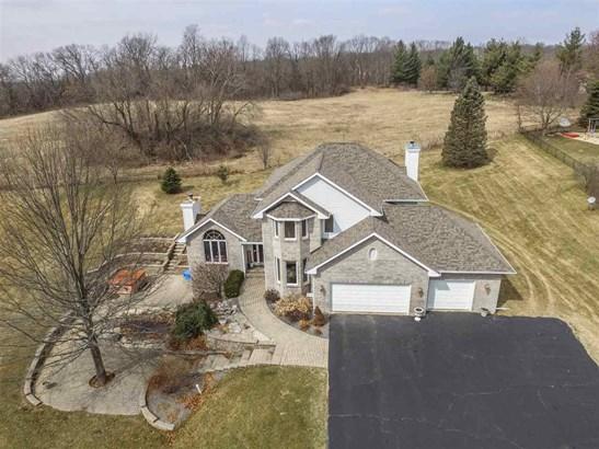 House, 2 Story - ROSCOE, IL