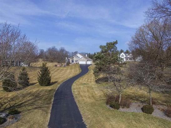 House, 2 Story - ROSCOE, IL (photo 5)