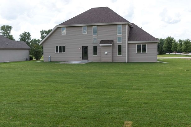 House, 2 Story - CHERRY VALLEY, IL (photo 2)