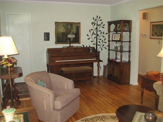 1.5 Story, House - MACHESNEY PARK, IL (photo 3)