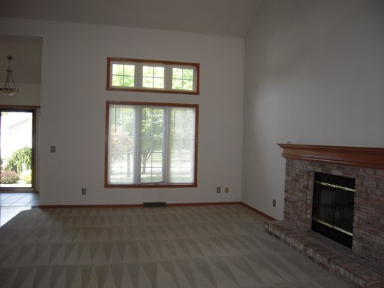 House, 2 Story - LOVES PARK, IL (photo 5)
